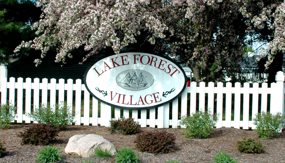 Lake Forest Apartments Entrance