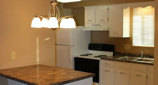 Lake Forest Apartments Kitchen